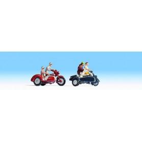Noch 36905 Motorcyklister med sidovagn, 2 st