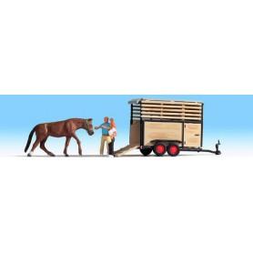 Noch 16654 Hästtransport, 1 häst, 2 figurer, 1 släp