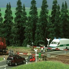 Busch 5300 Järnvägsövergång med helbommar