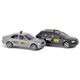 """Busch 8323 Set med 2 st bilar Audi A4 och Mercedes Benz C-Klass """"Taxi"""""""