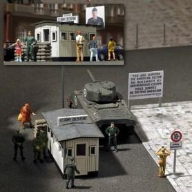 Busch 1490 Checkpoint Charlie, gränskontroll