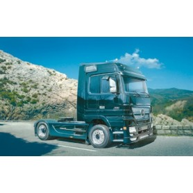 Italeri 3841 Dragbil Mercedes Benz Actros Black Edition