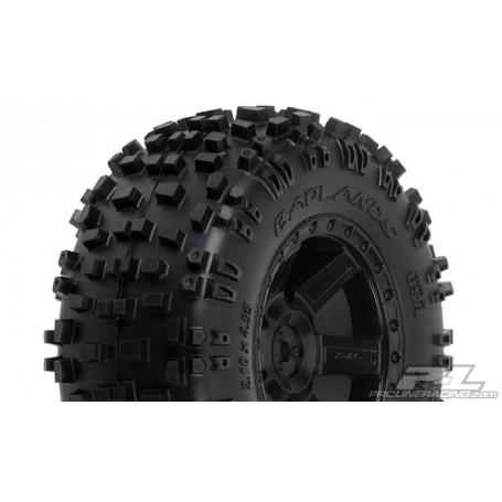"""Pro-Line 1173.13 Badlands färdiglimmade 2.8"""" All Terrain Tires Mounted on Desperado Black Rear Wheels, 1 par"""