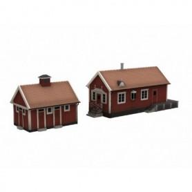 Jeco 77425 Mindre Svensk station med separat sidobyggnad för WC och förråd, färdigmodell