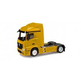 Herpa 159883.3 Mercedes-Benz Actros Streamspace rigid tractor, broom yellow