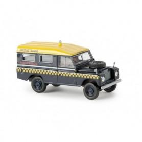"Brekina 13767 Land Rover 109 Station ""HM Coastguard"" Starmada Series"