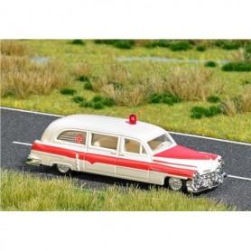 """Busch 5611 Cadillac Station Wagon """"Ambulance"""" med belysning"""