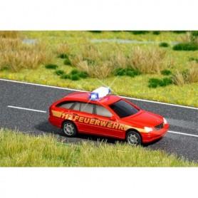 """Busch 5614 Mercedes C-Class """"Fire Department"""" med blålysen med belysning"""