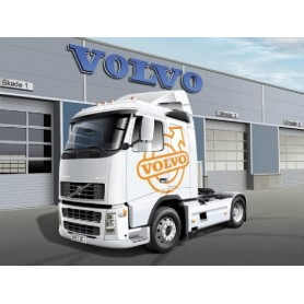 Italeri 3907 Dragbil Volvo FH16 520 Sleeper Cab