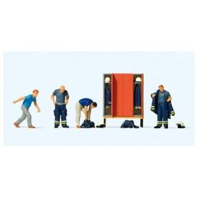 Preiser 10642 Brandmän före utryckning, 4 st med tillbehör
