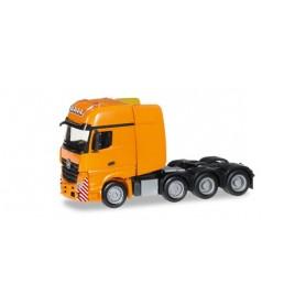 Herpa 304368.2 Mercedes-Benz Actros Gigaspace SLT heavy duty rigid tractor, deep orange