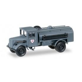 """Herpa 745598 Opel 3000 tank truck of JG 2 """"Richthofen"""""""