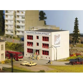 """Piko 61150 Skola """"Polyechnische Oberschule """"Juri Gagarin"""""""