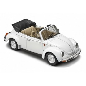 Italeri 3709 VW Beetle 1303S Cabriolet