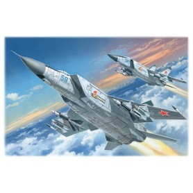 "ICM 72171 Flygplan MiG-25PD ""SOviet Heavy Interceptor Fighter"""