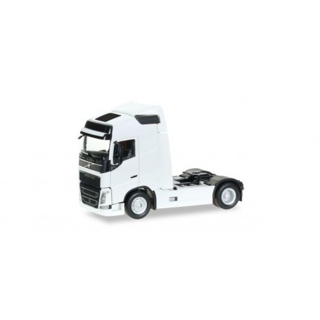 Herpa 303767.3 Volvo FH GL Globetrotter rigid tractor, white