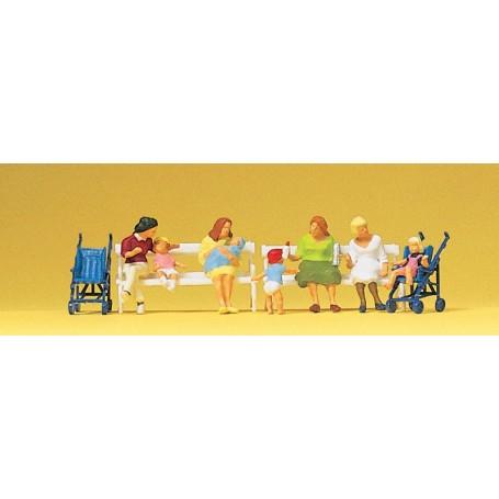 Preiser 10522 Sittande kvinnor och barn, 7 st