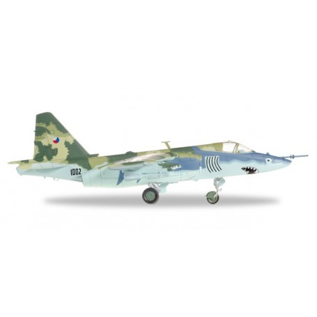 "Herpa 82MLCZ7205 Flypglan Czech Air Force Sukhoi SU-25K ""Frogfoot"" &No.8722: 32nd zTL, Pardubice, Czech Republic 1996"