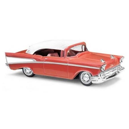 Busch 45038 Chevrolet Bel Air 1957, röd
