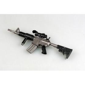 Easy Model 39117 Vapen M933, färdigmodell med ställ