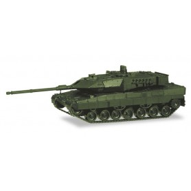 Herpa 746182 Main battle tank Leopard 2A7, undecorated