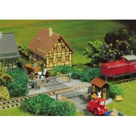 Faller 222172 Järnvägsövergång för grus och litet banvaktarhus