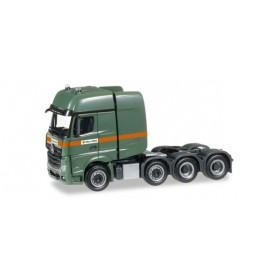 """Herpa 306584 Mercedes-Benz Actros SLT rigid tractor """"Max Wild"""""""