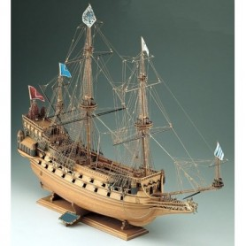 Corel SM17 La Couronne French Ship of the Line 1636