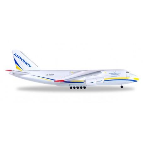 Herpa 526777.1 Flygplan Antonov Airlines Antonov AN-124