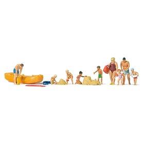 På stranden, 9 figurer med tillbehör