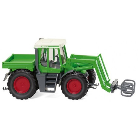Wiking 38003 Fendt Xylon with bale grab