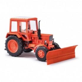 Busch 51309 Traktor Belarus MTS 82, röd, med snöplog