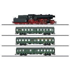 """Märklin 26503 Tågset med ånglok klass BR 23 typ DB och 3 personvagnar """"Vädrade"""""""