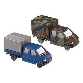 Roco 842 VW T4 Dualcab Set, 1 kamoflauge och en blå