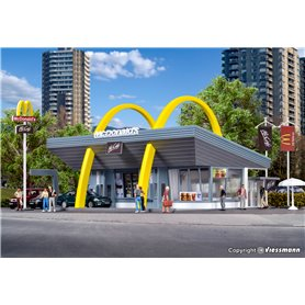 Vollmer 43634 McDonald`s fast food restaurant with McDrive