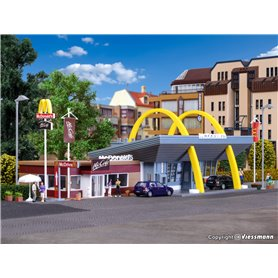 Vollmer 43635 McDonald`s fast food restaurant with McCafé