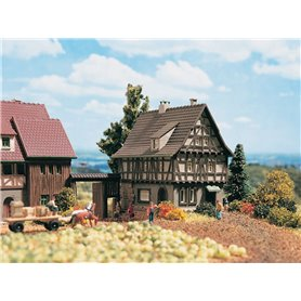 Vollmer 49530 Half-timbered house with yard gate