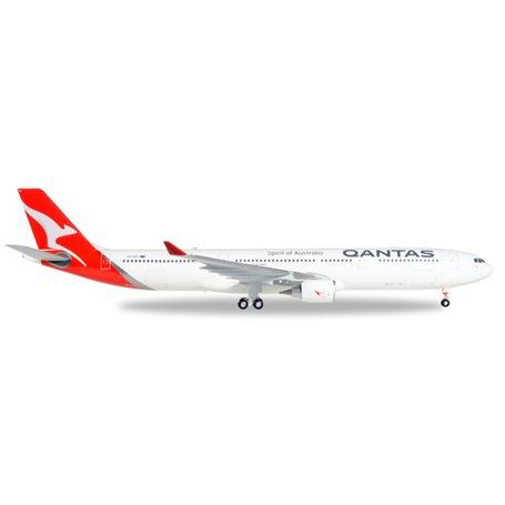 Herpa 558532 Flygplan Qantas Airbus A330-300 - new 2016 colors - VH-QPJ