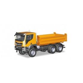 Herpa 309998 Iveco Trakker 6x6 3-way discharge skip, orange