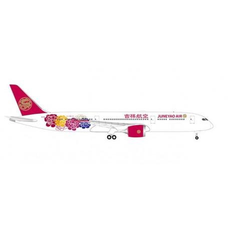 Herpa Wings 533089 Flygplan Juneyao Airlines Boeing 787-9 Dreamliner