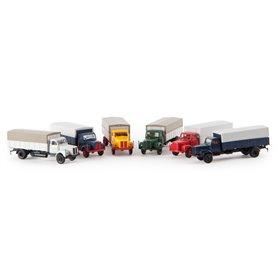 Brekina 85010.3 Lastbil Scania L 110, mörkblå med röd grill och rött chassie