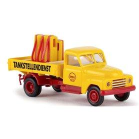 """Brekina 37133 Lastbil Hanomag L28 """"Shell"""" med last av pumpar"""
