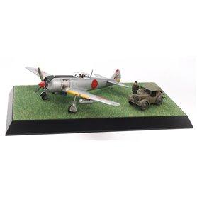 Tamiya 61116 Flygplan Nakajima Hayate (Frank) & Kurogane Scenery Set