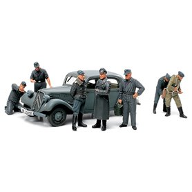 Tamiya 89731 Citroën Traction 11CV with 7 Luftwaffe Crew Figures