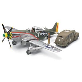 Tamiya 89732 North American P-51D Mustang & U.S. Army Staff Car