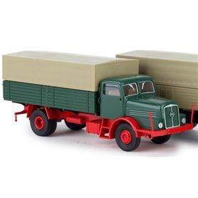 """Brekina 71023 Lastbil IFA H6 PP """"Economy"""", grön med rött chassie"""