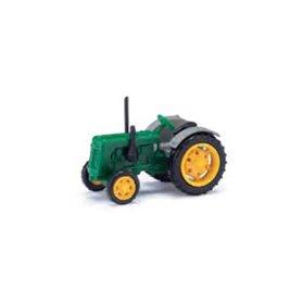 Busch 211006712 Traktor Famulus, grön/grå med gula fälgar