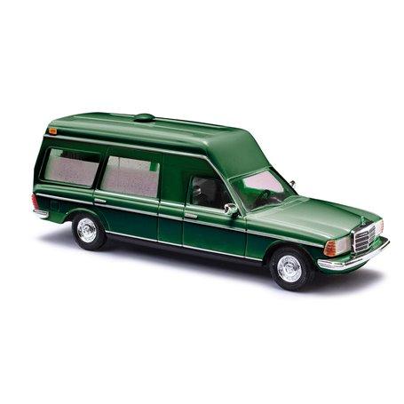 Busch 52202 Mercedes VF 123 Miesen, grön