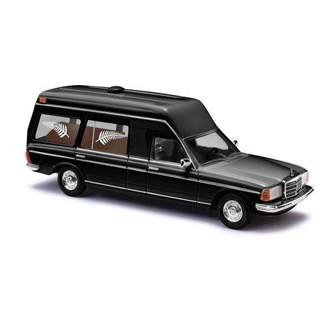 "Busch 52203 Mercedes VF 123 Miesen ""Begravningsbil"""