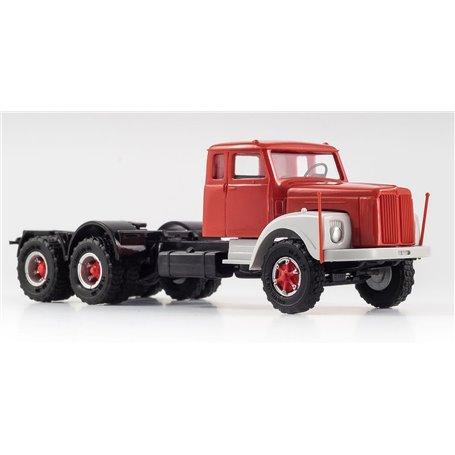 VK Modelle 77014.1 Scania LS 111 Dragbil 3-axlig med Trilexhjul, röd